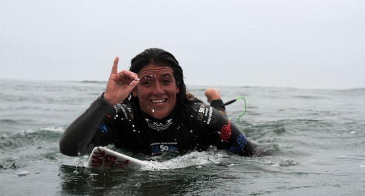 Mimi Barona, segunda posición en el ISA 50th World Surfing Games en Punta Rocas - Perú